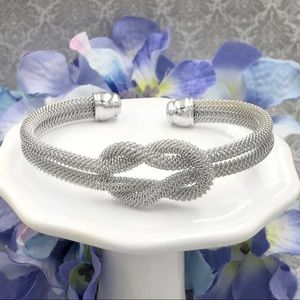 🌼3/$30🌼 Loop Knot Silver Cable Cuff Bracelet